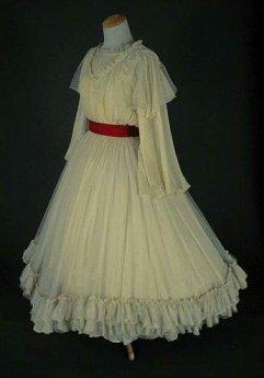http://lecostumeatraverslessiecles.chez-alice.fr/Images/images_costumes/feminin/134.jpg